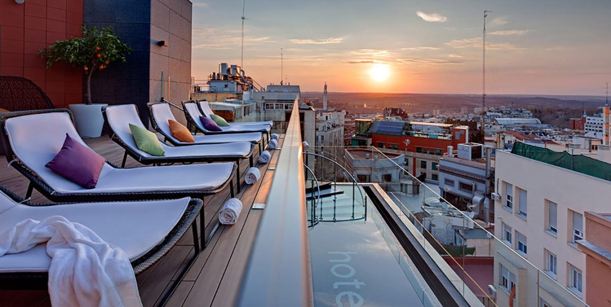 Mi foto para Indigo Hotel publicada en Harper's Bazaar