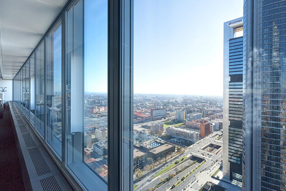 Torre de Cristal - Fotografía de arquitectura para i-bau y su proyecto en las oficinas de Commerzbank