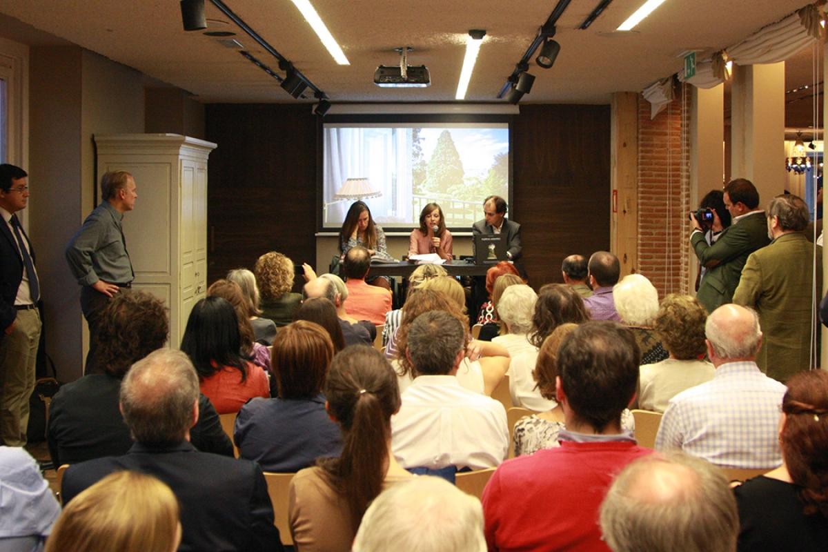 Se presenta en la Fundación Adolfo Domínguez de Madrid el libro de Celia de Coca editado por Lunwerg y prologado por Ouka Leele