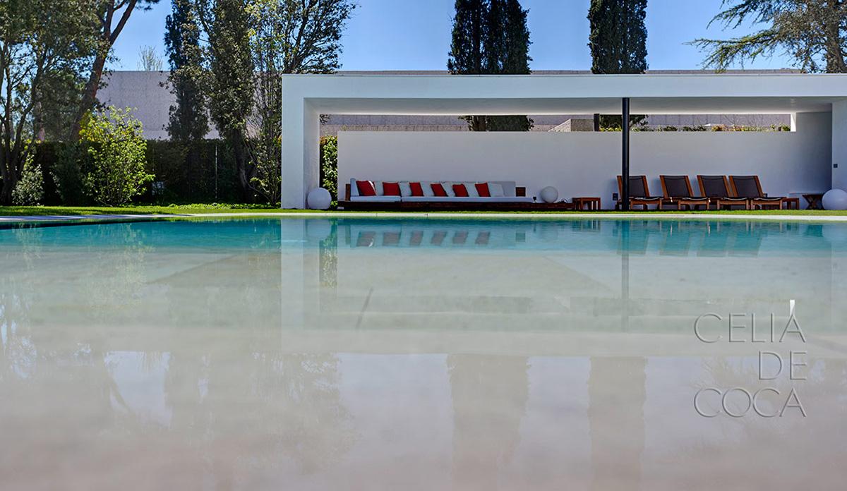 Celia de Coca fotografía una casa diseñada por el estudio de arquitectura Dahl&GHG