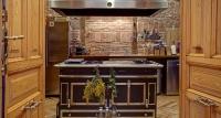 cocina rústica encanto ladrillo visto – fotografia decoración – fotografia interiores – celia de coca
