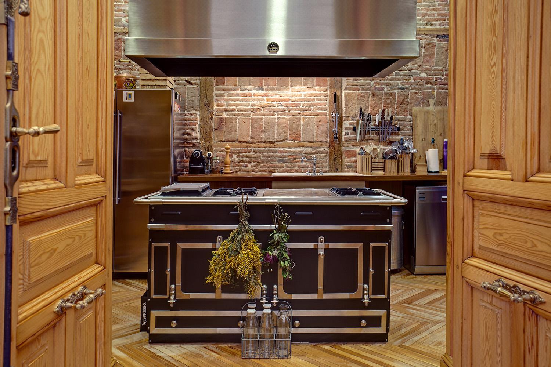 cocina rústica encanto ladrillo visto - fotografia decoración - fotografia interiores - celia de coca