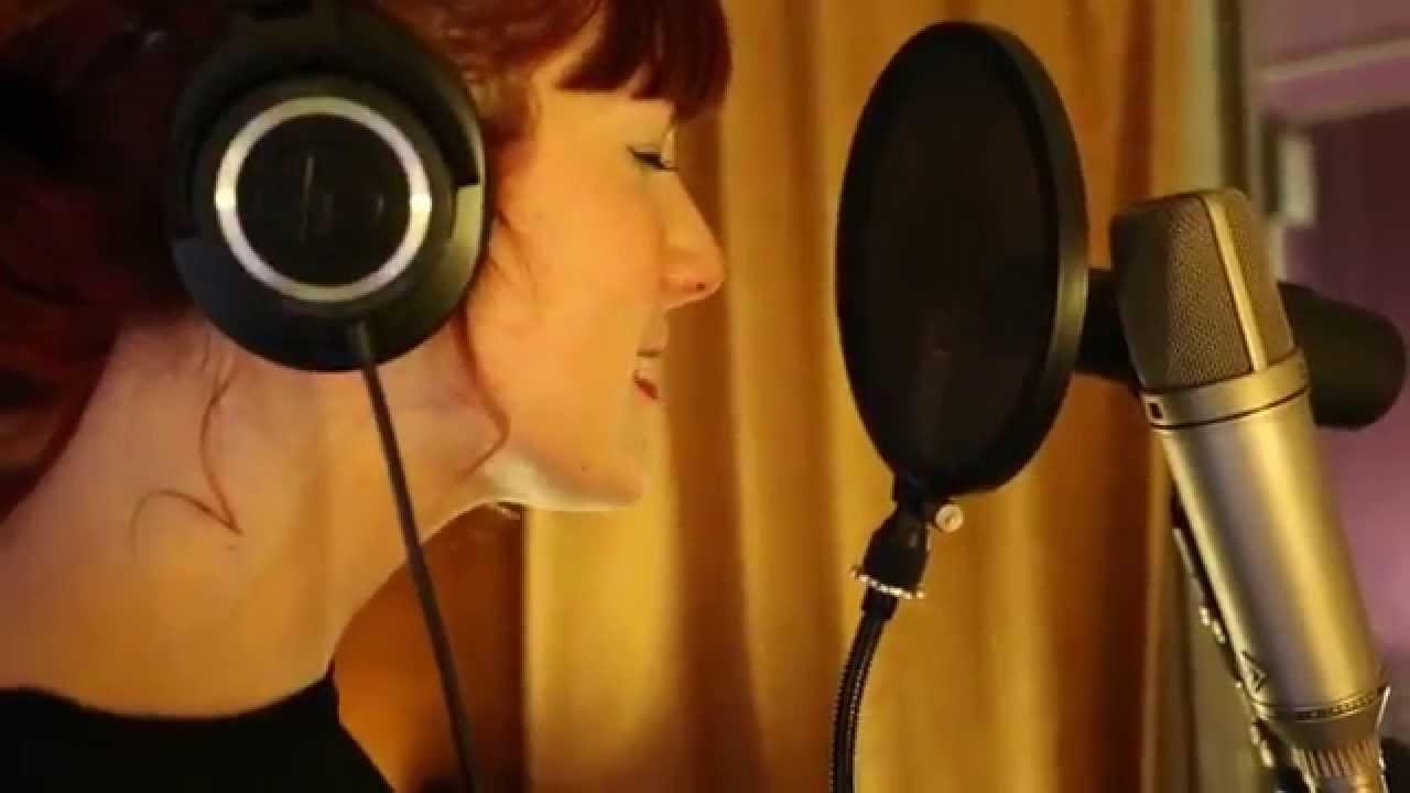 Videoclip oficial Adrianna - Encadenada a ti