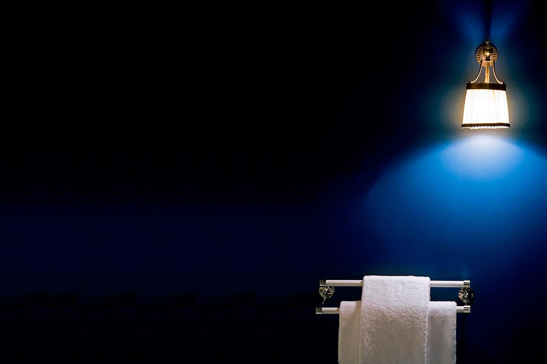 baño toallero - fotografía interiorismo - fotografia decoración - celia de coca