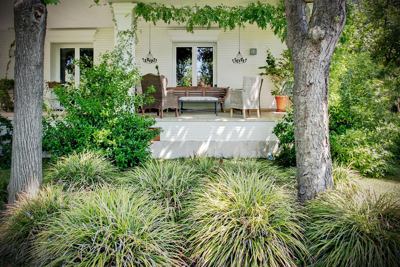 exterior jardín porche inglés - fotografia interiorismo - fotografia decoracion - celia de coca